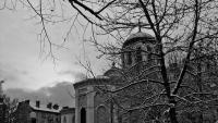 Пейка с облегалка парк пред храм Св.Георги